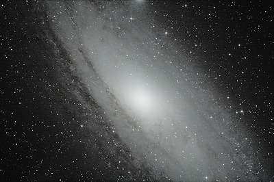 M31 2012-09-15-2 (8of11frms 60s iso3200).jpg